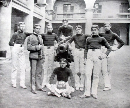 The Citadel basketball team with one of the cannons, 1909